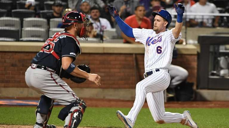 Jeff McNeil keys Mets' rally in eighth to defeat Braves