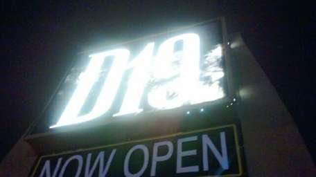 D19 Sports Lounge & Eatery is in Lake