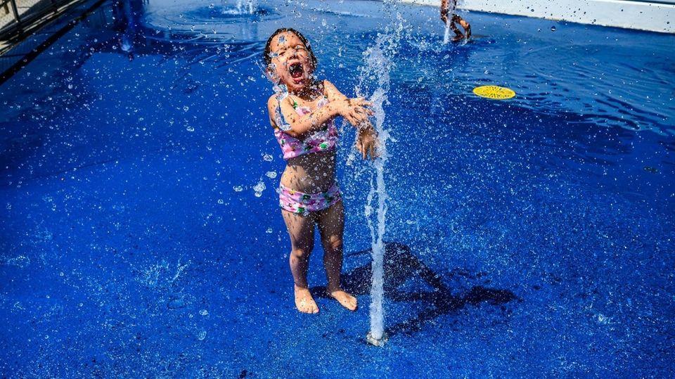 Alessandra Curatolo, 4, of New Hyde Park enjoys