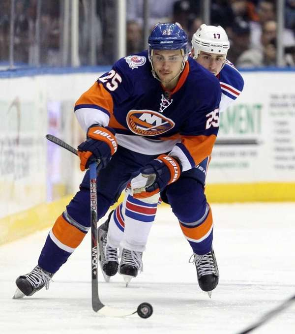 Nino Niederreiter #25 of the New York Islanders