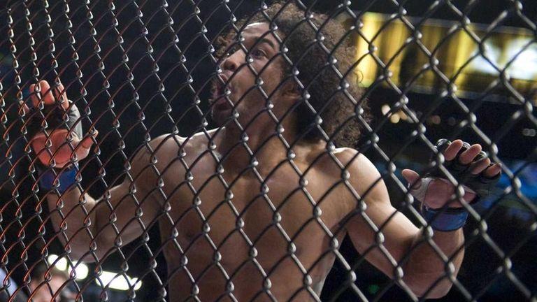 Ben Henderson reacts to winning his lightweight match