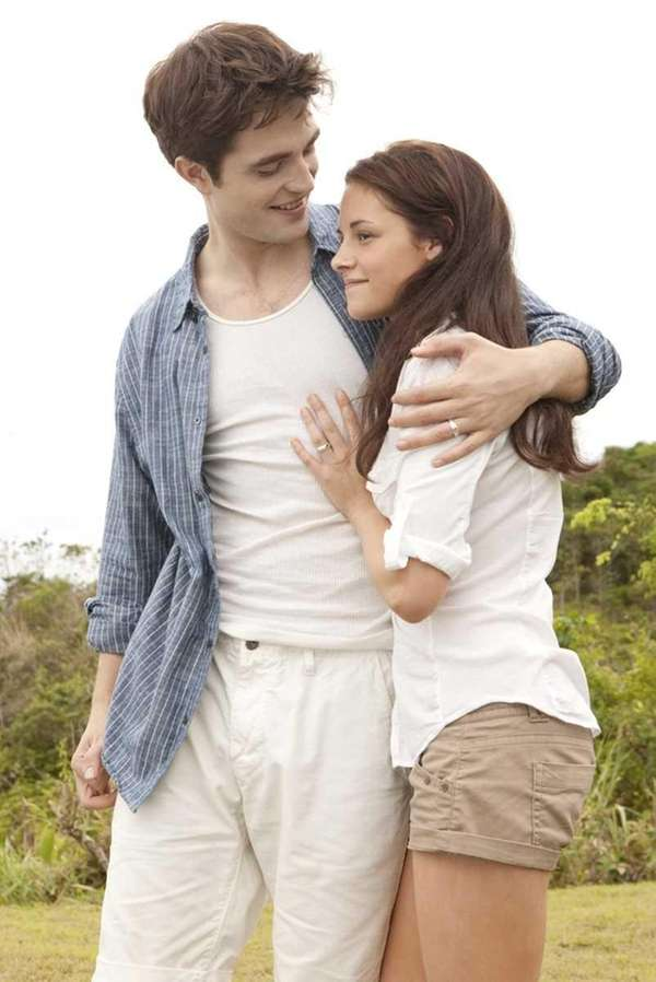 Robert Pattinson and Kristen Stewart star in