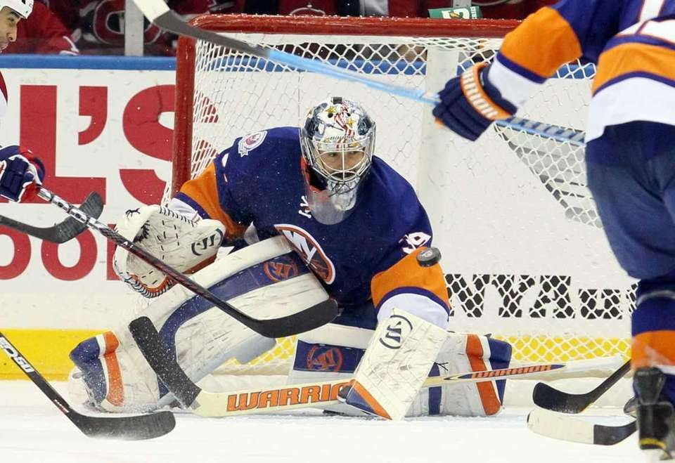 Rick DiPietro #39 of the New York Islanders