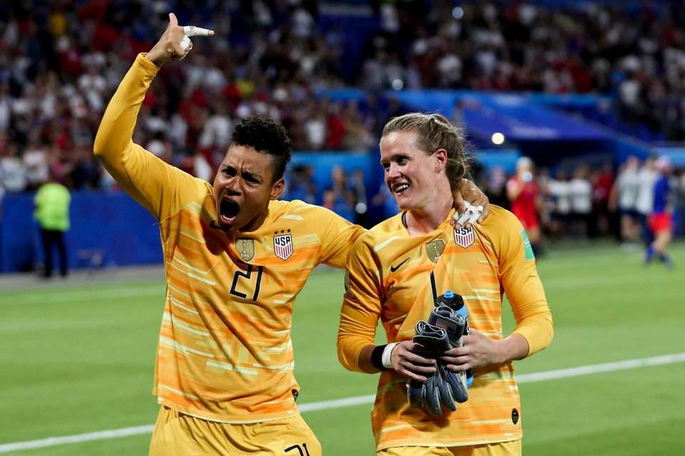 United States goalkeepers Adrianna Franch, left, and Alyssa