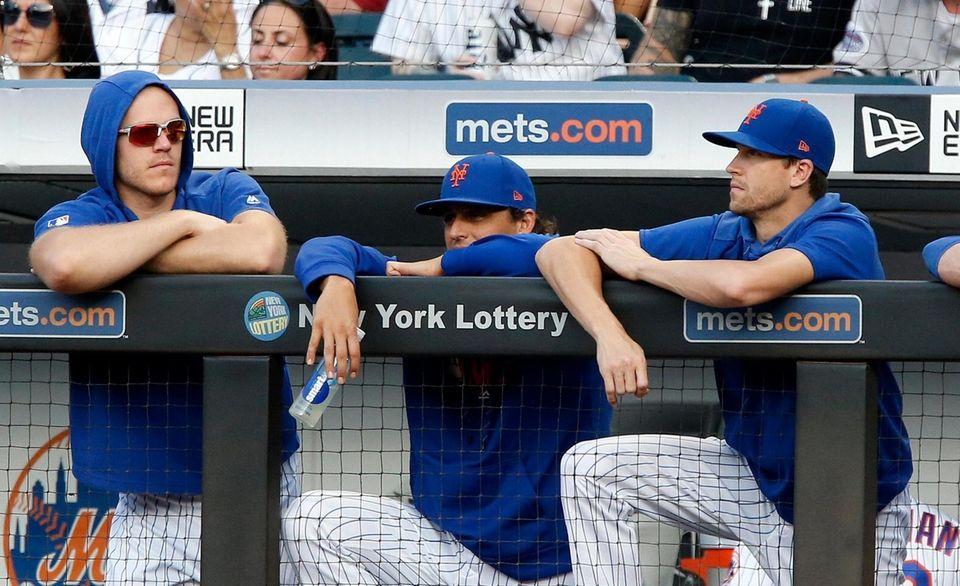 Mets pitchers Noah Syndergaard #34, Jason Vargas #44