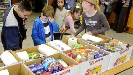 Students at Levittown's Wisdom Lane Middle School volunteer