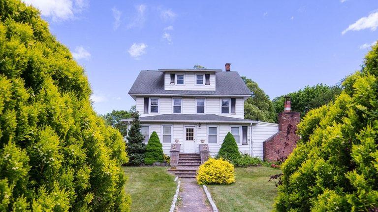 2-family Bohemia home lists for $499,000