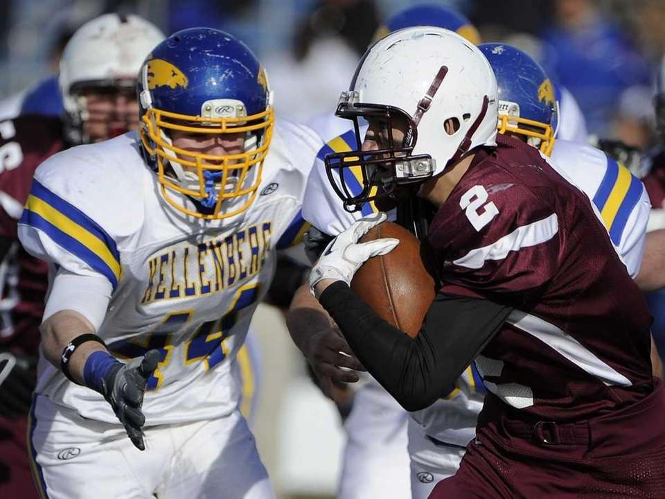 Kellenberg's Rory Walsh looks to tackle Fordham Prep's