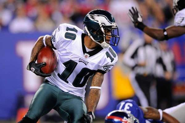 DeSean Jackson of the Philadelphia Eaglers returns a