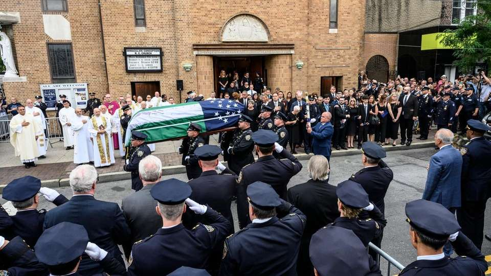 Funeral services for of retired NYPD Det. Luis