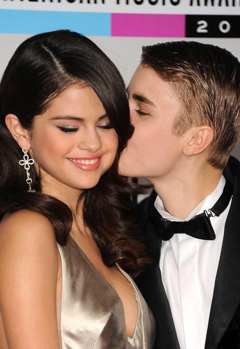 Singers Selena Gomez and Justin Bieber arrive at