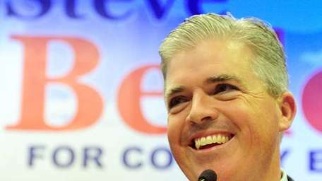 Steve Bellone speaks to supporters. (Nov. 8, 2011)