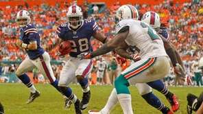 C.J. Spiller #28 of the Buffalo Bills rushes