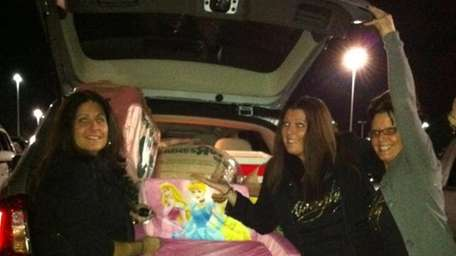ExploreLI's featured Black Friday shoppers load up the