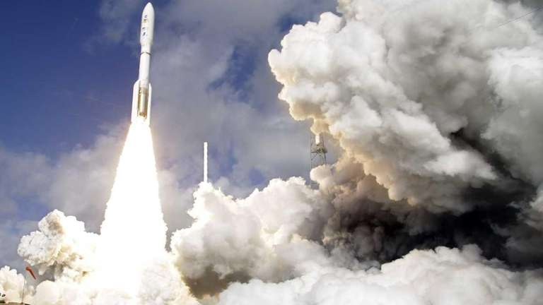 A United Launch Alliance Atlas V rocket carrying