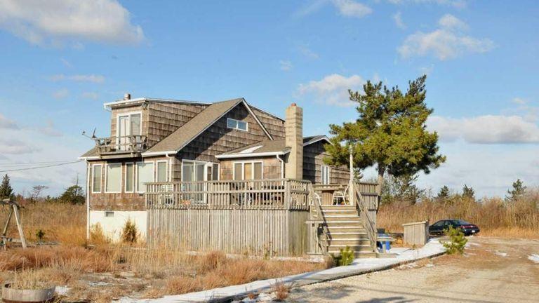 For Oak Beach Home In Gilgo Mystery