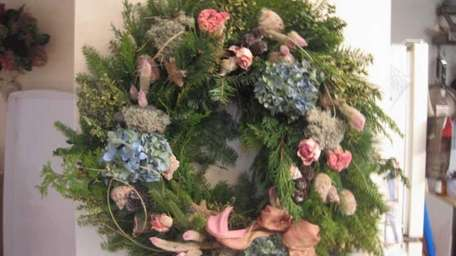 Evergreen wreath from upcoming Southampton Historical Museum class