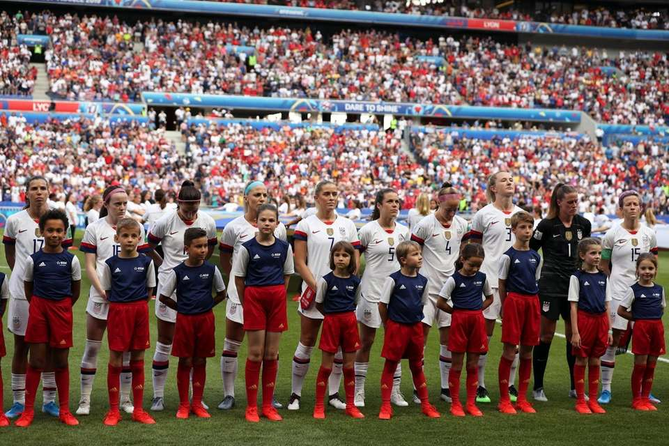 The United States players lineup before the Women's
