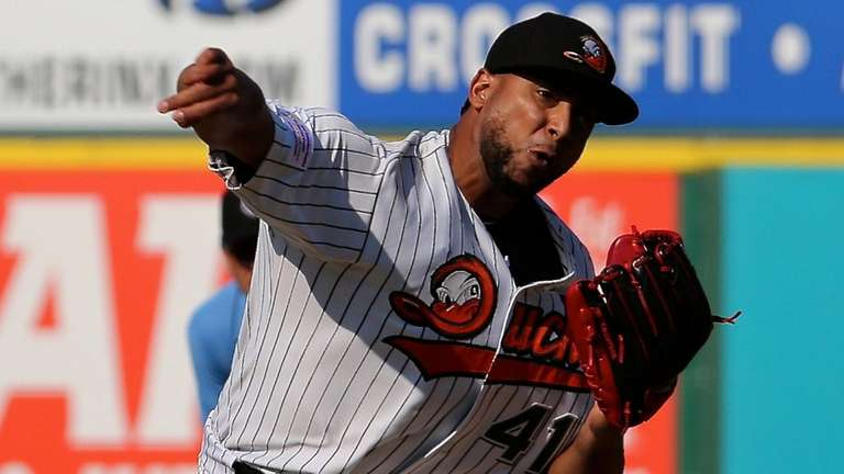 Long Island Ducks starting pitcher Pedro Beato delivers