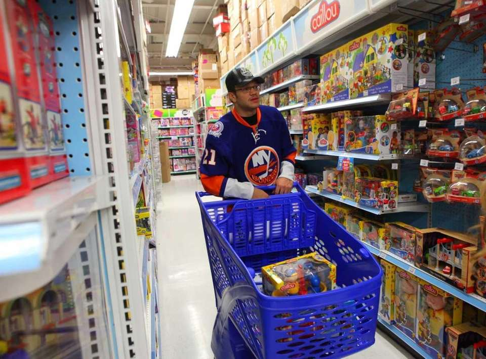 Kyle Okposo goes on a shopping spree for