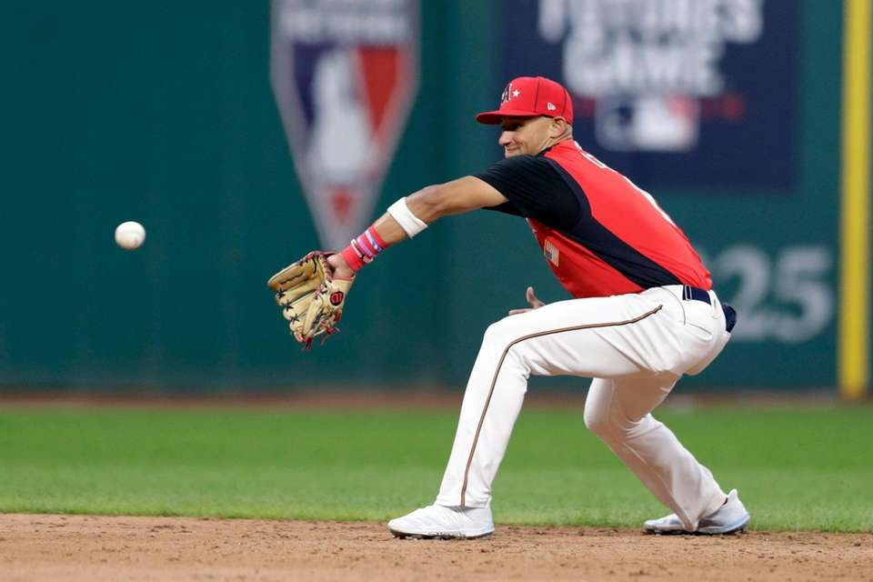 Royce Lewis, of the Minnesota Twins, makes a
