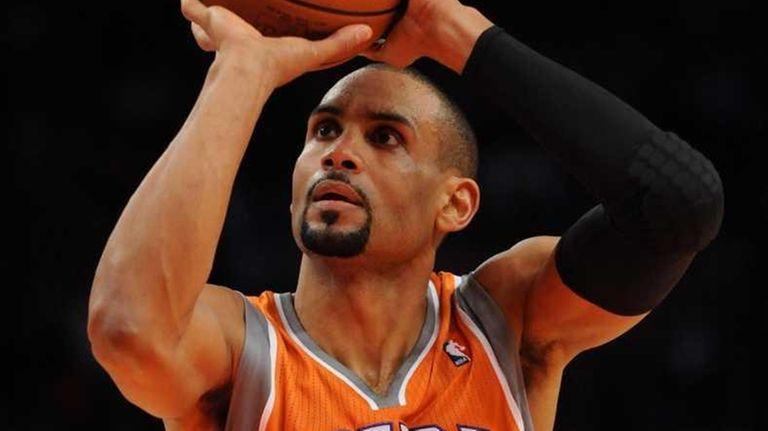Phoenix Suns forward Grant Hill (33) takes a