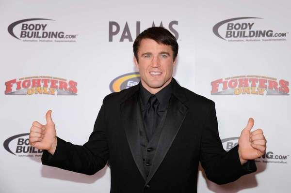 Chael Sonnen ends retirement, returns to MMA with Bellator