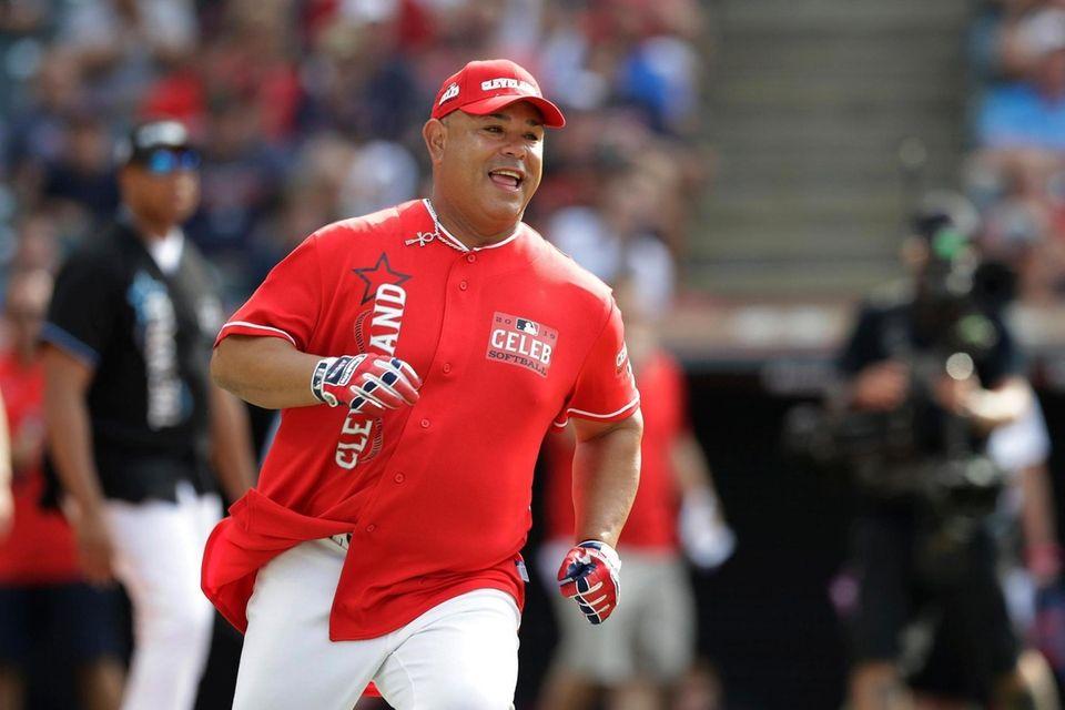 Carlos Baerga runs during the MLB All-Star Legends