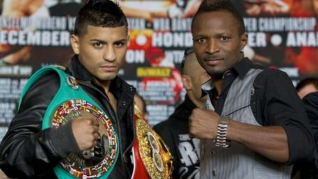 Abner Mares and Joseph Agbeko pose at final