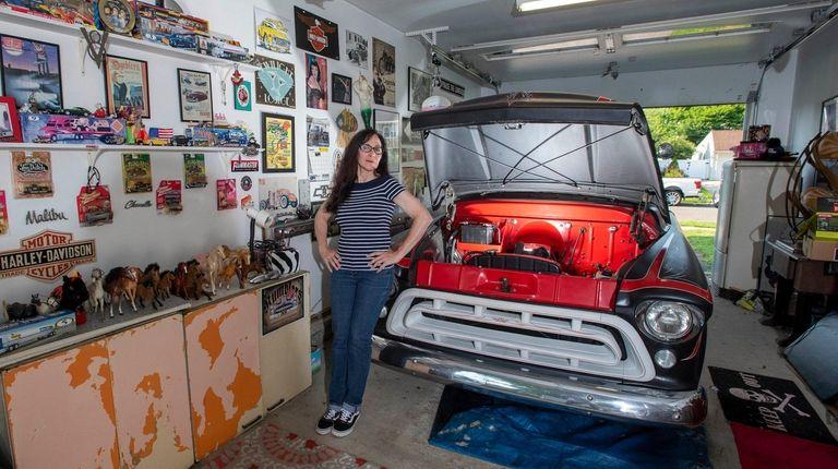 Cynthia Raven's Levittown garage.