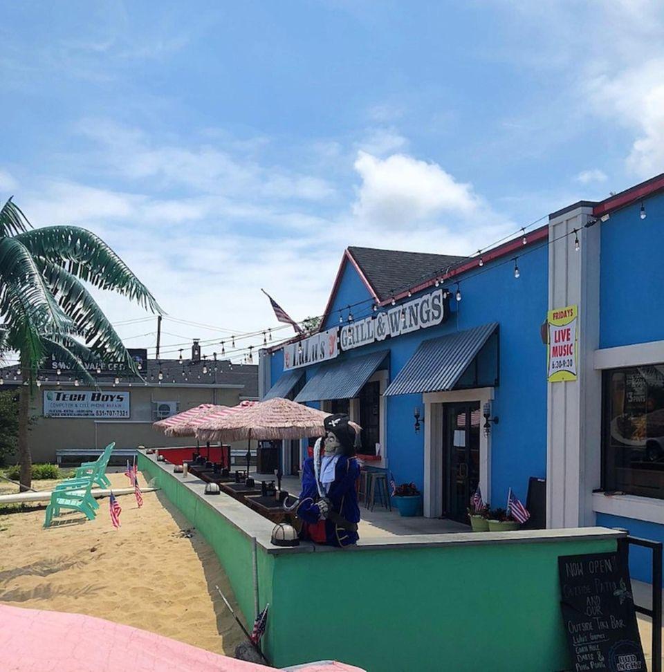 LuLu's Lobster & Wing Shack (388 Medford Ave,