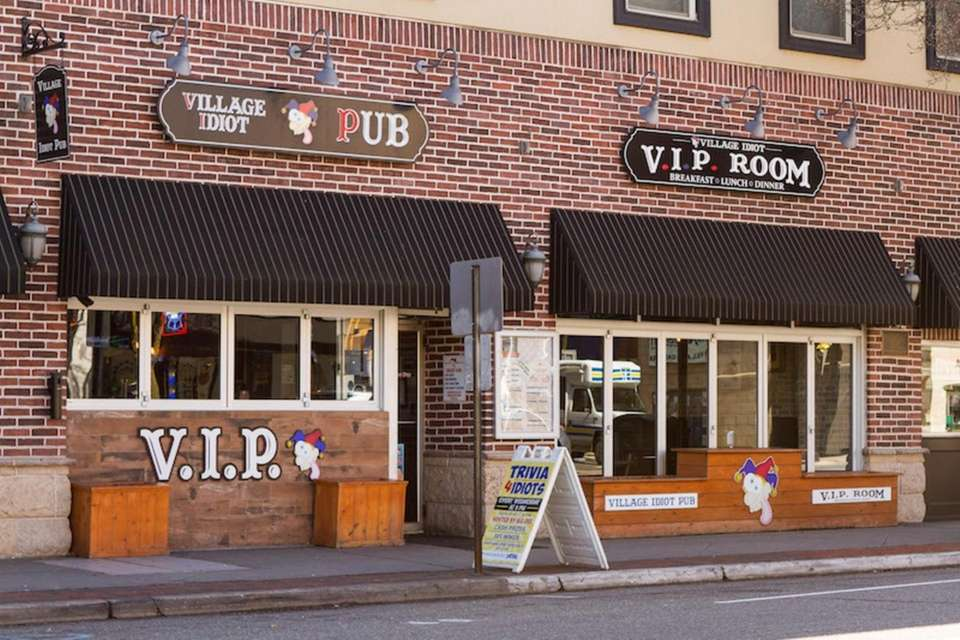The Village Idiot Pub (Oakdale and Patchogue)