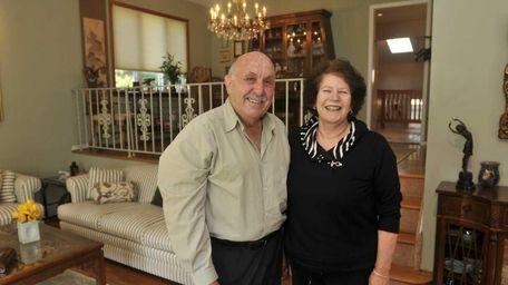 Harold and Myrna Gittler in the living room