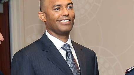 Yankee pitching great Mariano Rivera arrives in Midtown