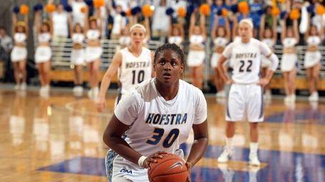 Hofstra women's basketball player Shante Evans against St.