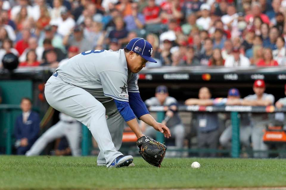 National League pitcher Hyun-Jin Ryu, of the Los