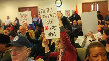 Long Island Bus riders attend the public hearing