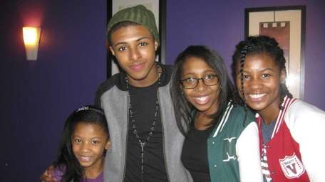 427) Rapper Diggy Simmons with Kidsday reporters from
