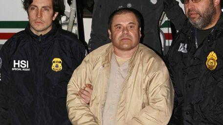 "Joaquín ""El Chapo"" Guzmán Loera, center, in 2017."