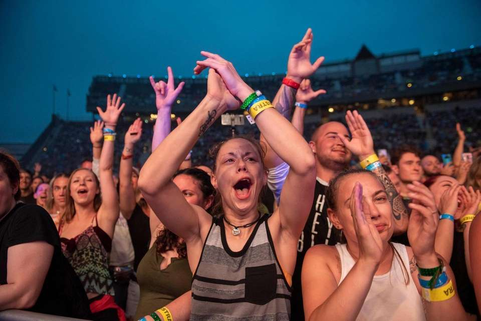 Fans enjoying the Third Eye Blind performance at