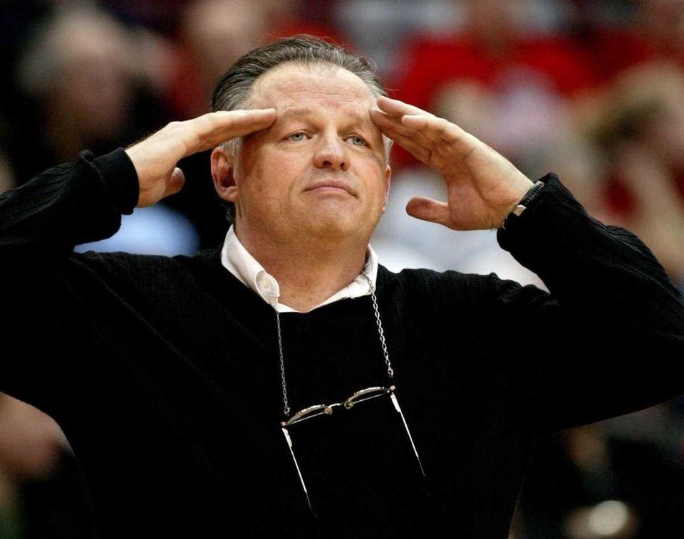 886 wins St. Joseph's (1979-91), Vanderbilt (1992-2002), Ohio