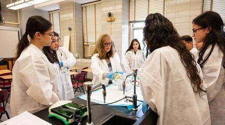 Assistant Professor Jodi Evans teaches a biology class