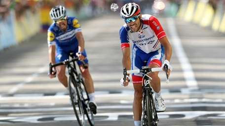 France's Thibaut Pinot, right, and France's Julian Alaphilippe