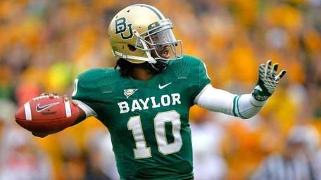 Robert Griffin III #10 of the Baylor Bears