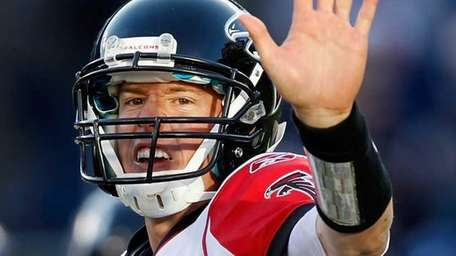 Matt Ryan of the Atlanta Falcons calls out