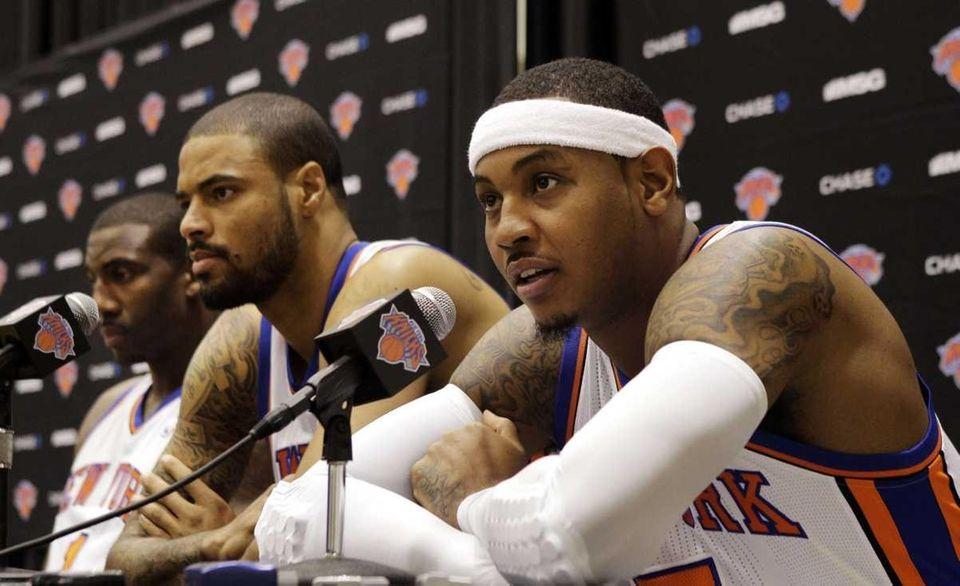 From left, New York Knicks forward Amar'e Stoudemire,