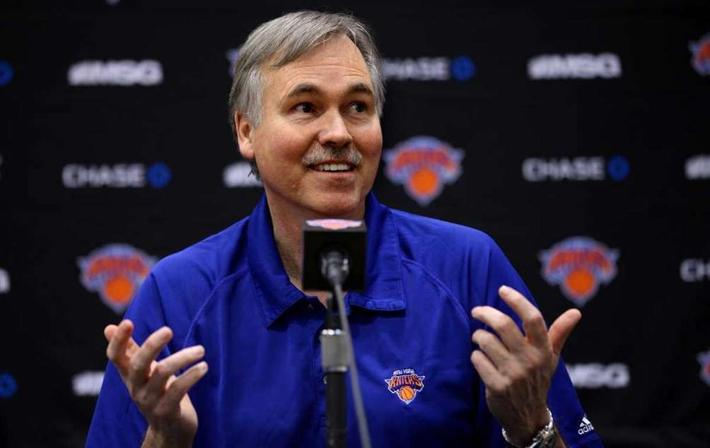 Knicks head coach Mike D'Antoni speaks during a