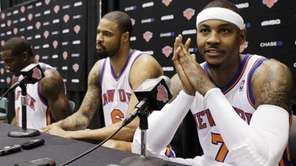 From left, New York Knicks forward Amare Stoudemire,