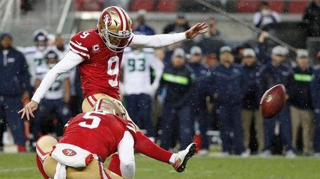 San Francisco 49ers kicker Robbie Gould (9) kicks