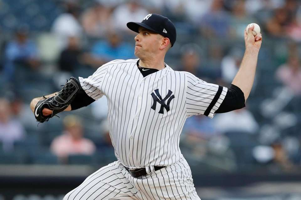 New York Yankees starting pitcher James Paxton winds